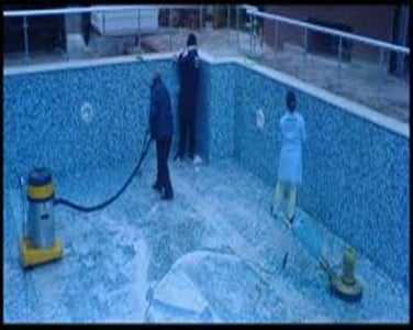 Havuz temizliği